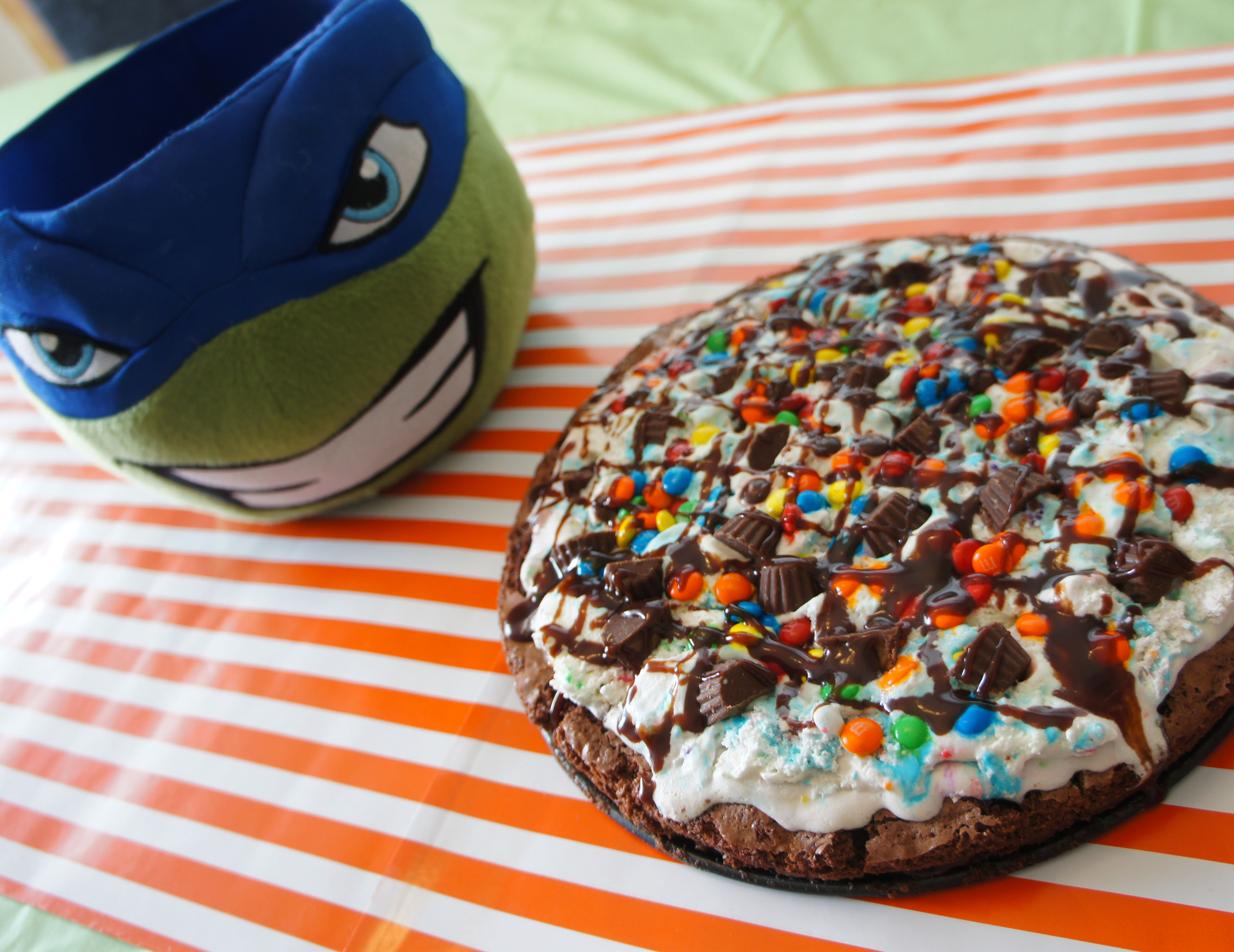 Pizza and a pinata for my ninja turtle fan sony dsc ccuart Gallery
