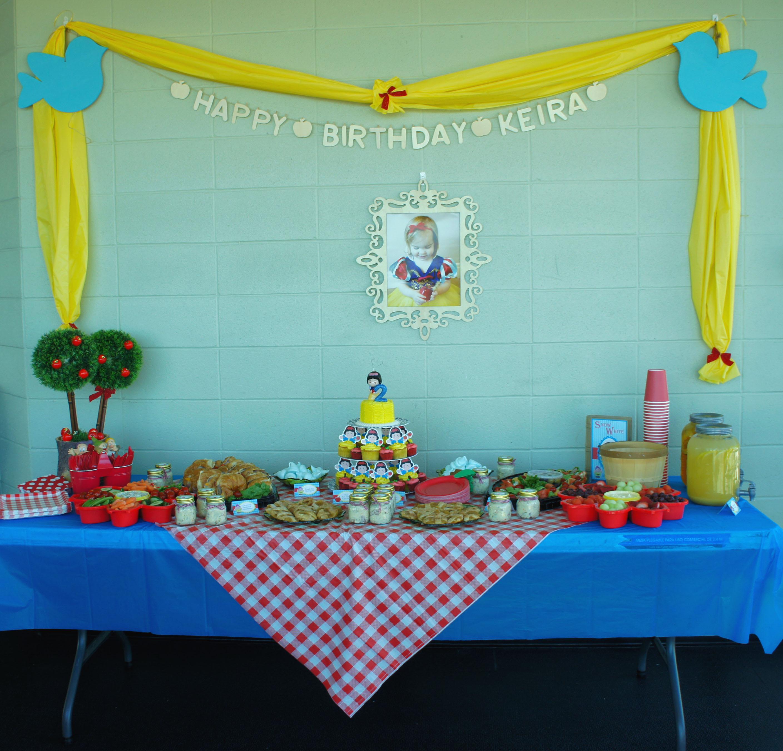 Keiras Snow White Picnic Party