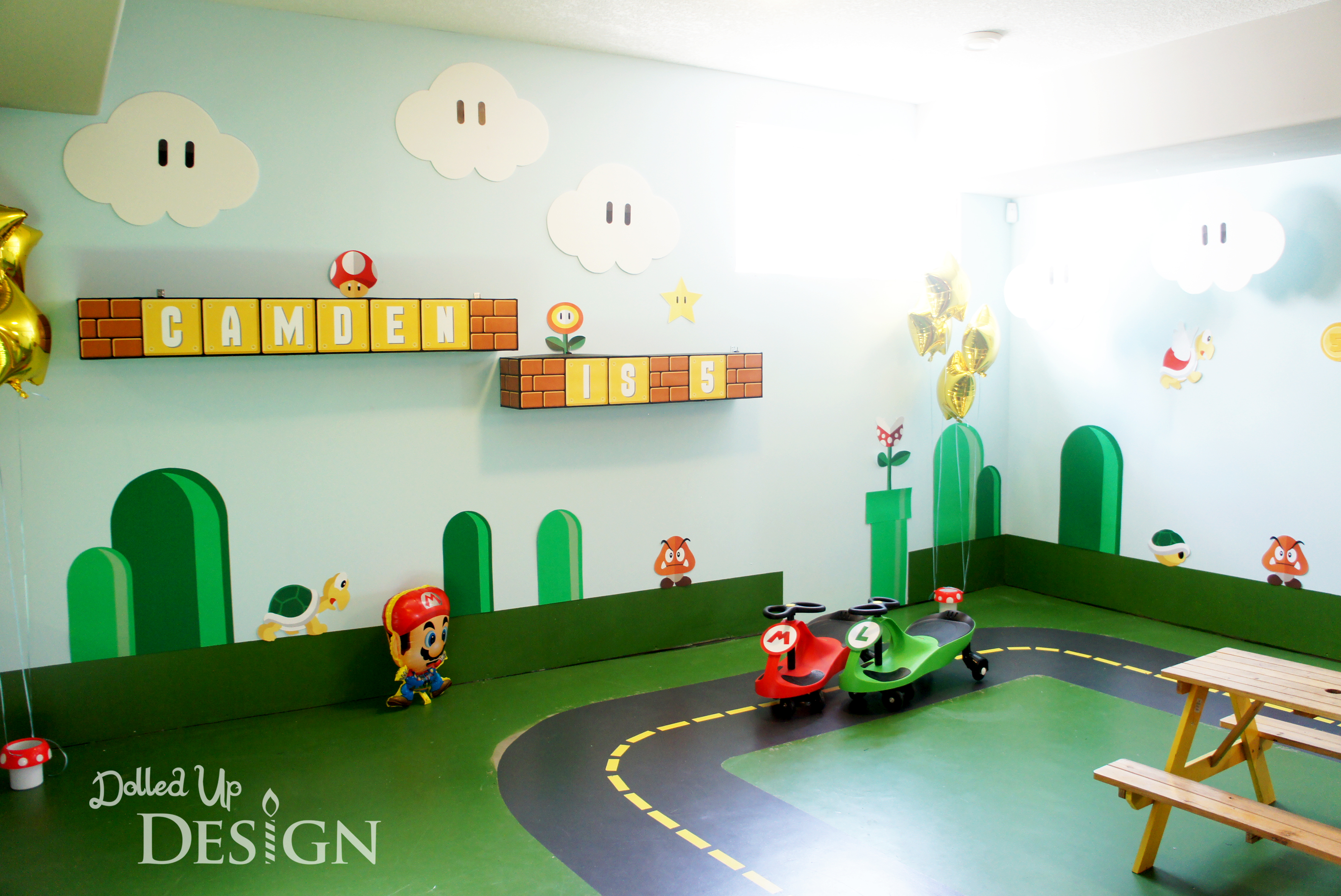 A super mario 5th birthday Game decoration