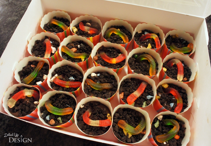 Individual Worms N Dirt in paper cups for school treat